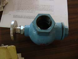 PUSH TYPE FLUSHING VALVE